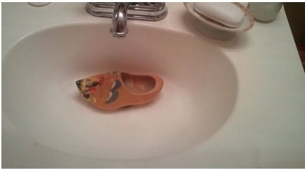 i think my sink is clogged funny memes that are really punny womanz buzz